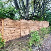 levels horizontal wood fence