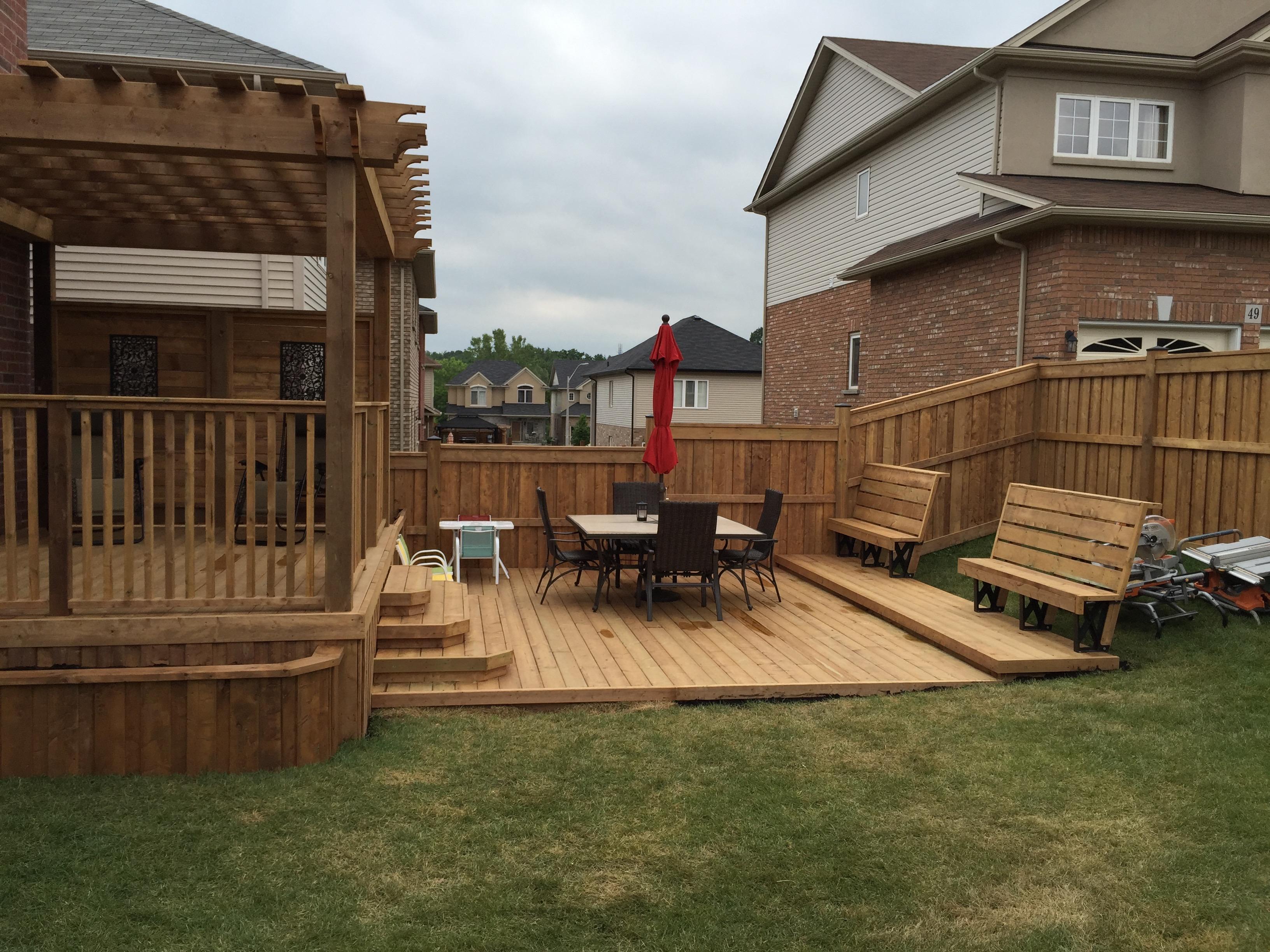 Decks In Hamilton, Ontario - The Fence Guy